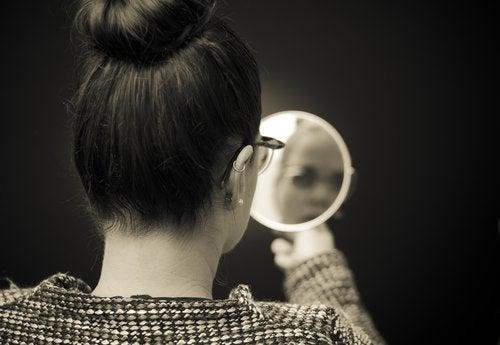 The Mirror Syndrome