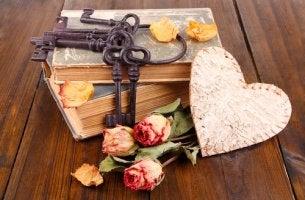 heart keys roses