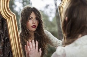 girl crying mirror