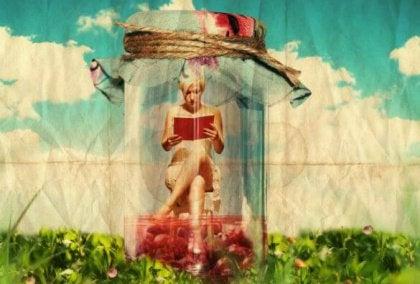 girl in jar