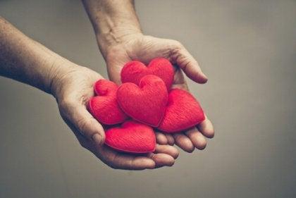 Kiitollisuus sydänten kera