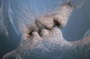 fibers kissing