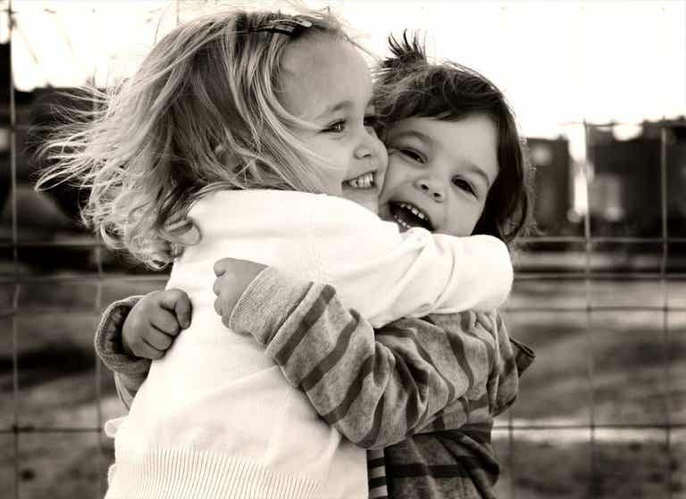 Friends Who Hug Tight and Breathe Through Life With Us