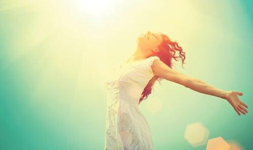 Onnellisuus on nauttia auringosta