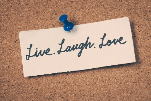 note message live laugh love