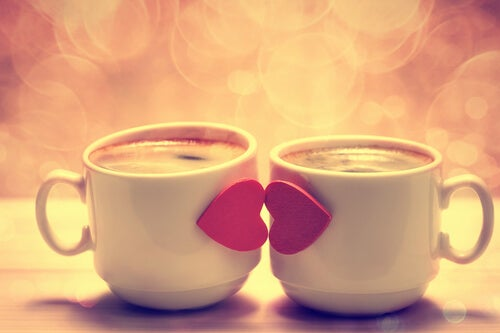Kissing Cups