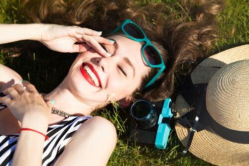 happy smiling girl sunglasses