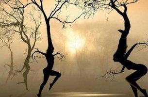 human tree dancers