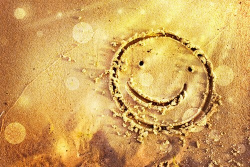 smiley face in the sand lucky