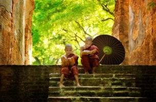 buddhist children reading books