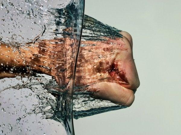 punching water