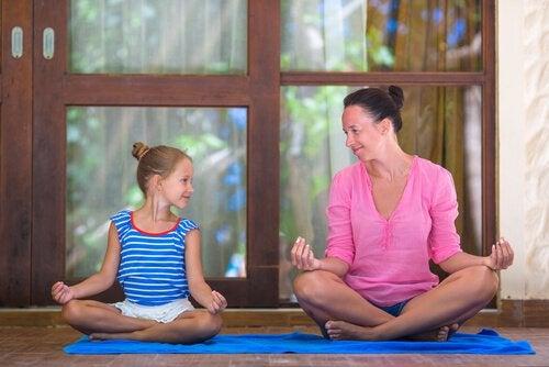 Äidin ja tyttären meditointi