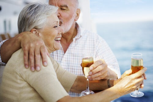 older people feeling young drinking champagne