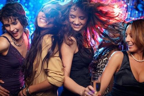 Venner danser