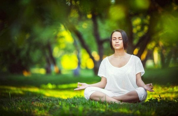 Meditating: Being Aware of Your Mind