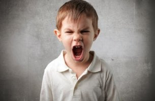 angry-child-screaming