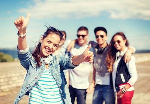 group-of-teenage-friends