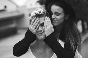 Girlfriend Squishing Boyfriend's Face