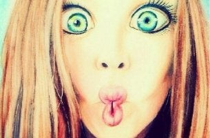 silly-girl-with-wide-eyes-and-kissy-face
