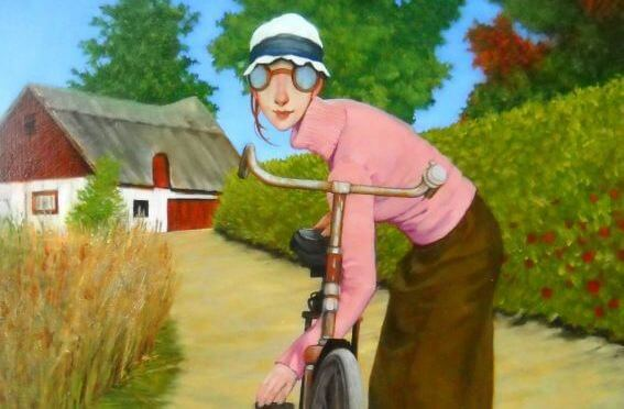 woman-with-her-bike