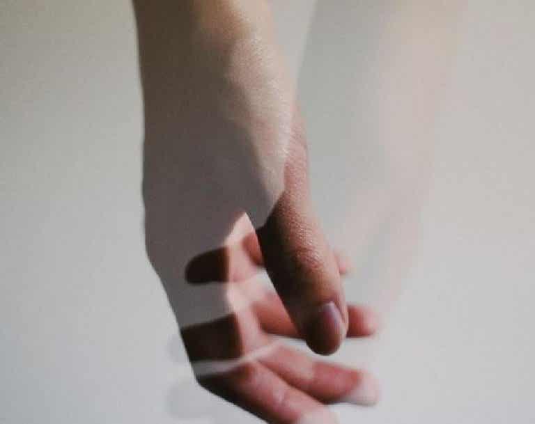 Misunderstandings Can Create a Chasm Between Lovers
