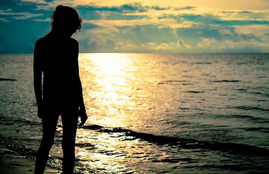 바닷가의 소녀: 몸을 해치는 감정