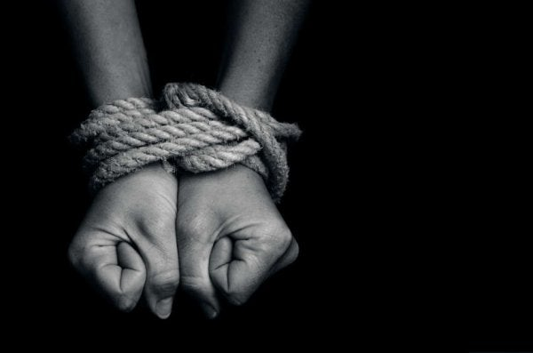 hands tied up