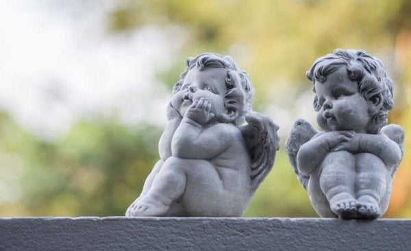 stone cherubs