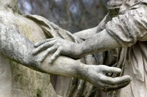 stone statue hands