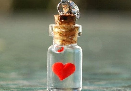 tiny heart if a jar