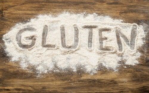 GLUTEN written in flour.