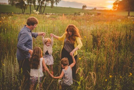happy family: no lost childhood