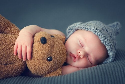 children sleeping with parents baby