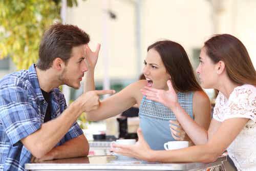 7 Common Attitudes of Intolerant People