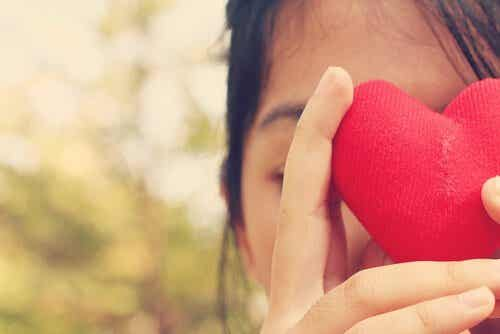 Do You Love Yourself? 5 Signs That Point to No