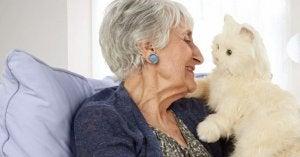 Elderly lady with cat