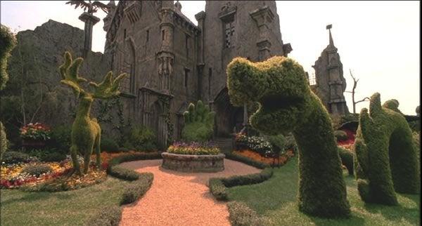 Edward Scissorhands mansion.
