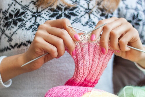 5 Ways Knitting is Good for Your Emotions