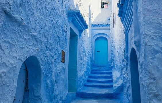 A blue Moroccan street.