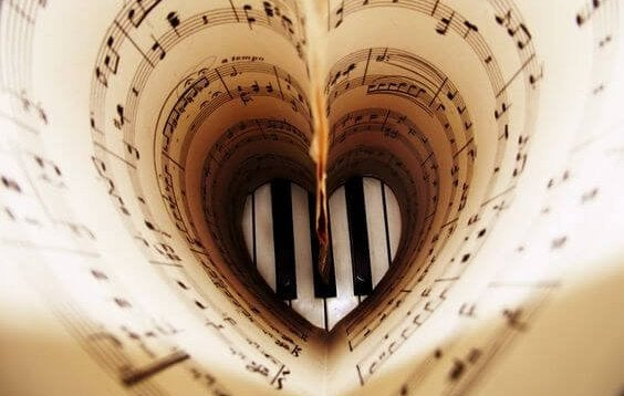 Sheet music in the form of a heart.
