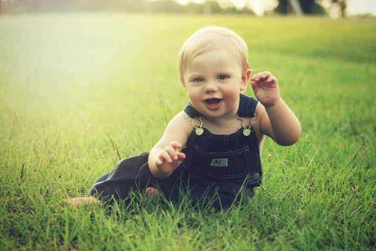 Milestones in a Baby's Development Between 7 and 8 Months