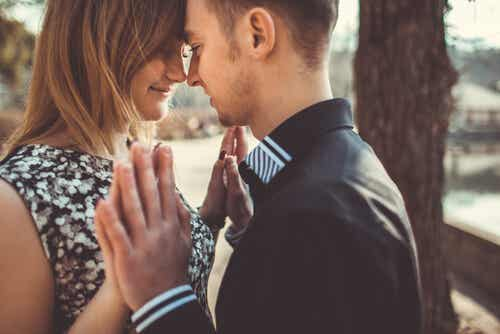 Learning to Love in Balanced and Healthy Relationships