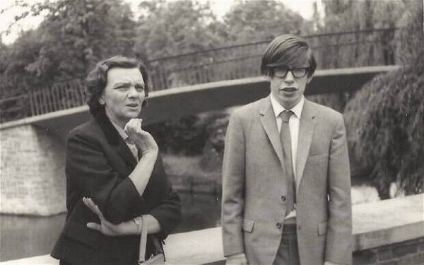 Stephen Hawking as a young man