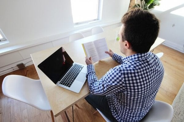 Occupational presenteeism: a man with his laptop.