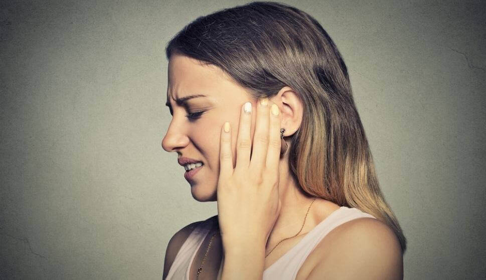 A woman is suffering from misophonia.