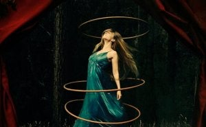 Woman with floating hoops.