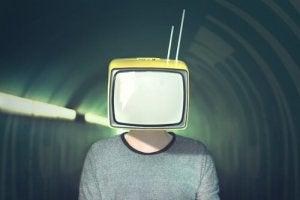 Media Manipulation: 10 Strategies the Media Uses to Manipulate Us