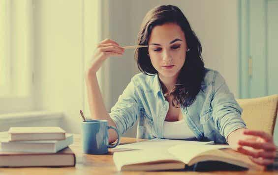 Is it Better to Read Silently or Out Loud When Studying?