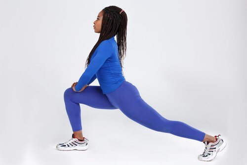 woman doing lunge, a good muscle of the soul stretch