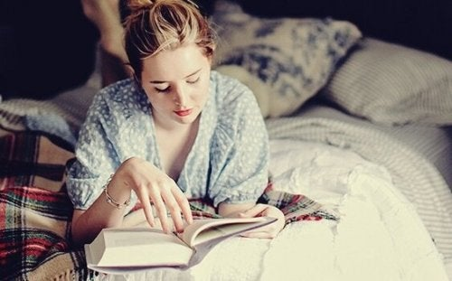 Reading Before Bed: a Habit Your Brain Will Love